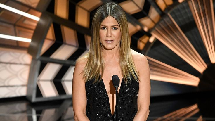 Jennifer Aniston Has Reconnected With Exes Brad Pitt And Gerard Butler Amid Marriage Troubles #BradPitt, #JenniferAniston celebrityinsider.org #Entertainment #celebrityinsider #celebritynews #celebrities #celebrity