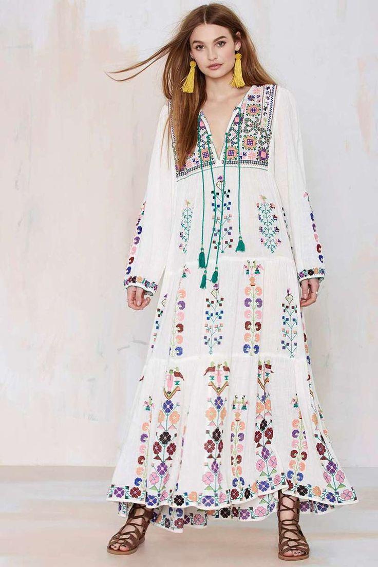 2016 herfst Bohemen Boho Lange maxi jurk Vrouwen jurken wit geborduurd V hals Mouwen Vintage mensen hippie chic vrouwen kleding in 1 inch = 25.4 cmS Buste: 92 cm Mouw: 56 cm Lengte: 127 cmM Buste: 94 cm Mouw: 57 cm Lengte: 128 cmL Buste: 96 cm  van   op AliExpress.com | Alibaba Groep