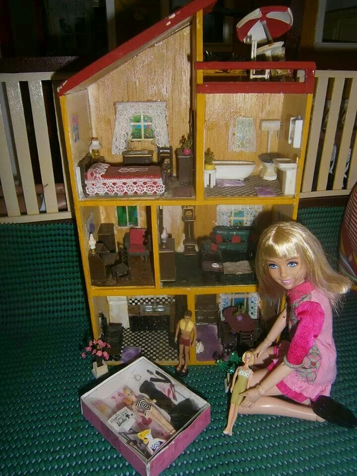best 25 barbie doll house ideas on pinterest barbie house barbie house furniture and diy. Black Bedroom Furniture Sets. Home Design Ideas