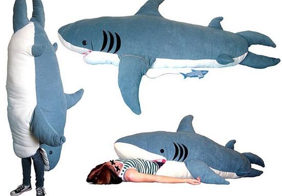 smosh.com 10 Unique Geeky Sleeping BagsSharks Eating, Favorite Things, Kids Things, Kids Stuff, Sleep Bags Things A Ma Jiggy, Sharks Bags, Sleeping Bags, Sharks Sleep, So Funny