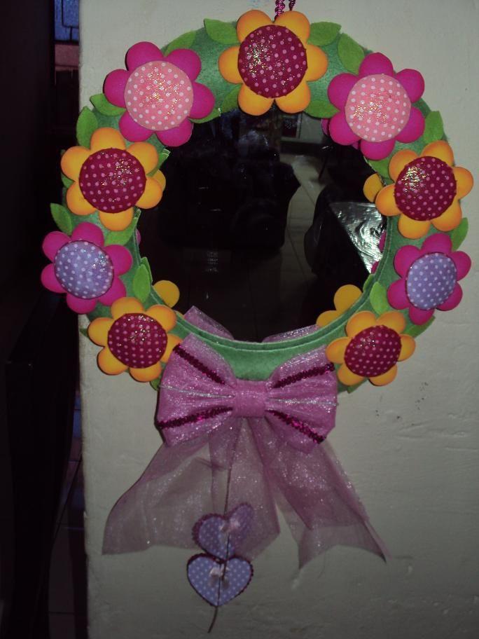 Espejo circular decorado foamy ideas pinterest for Espejos circulares pared