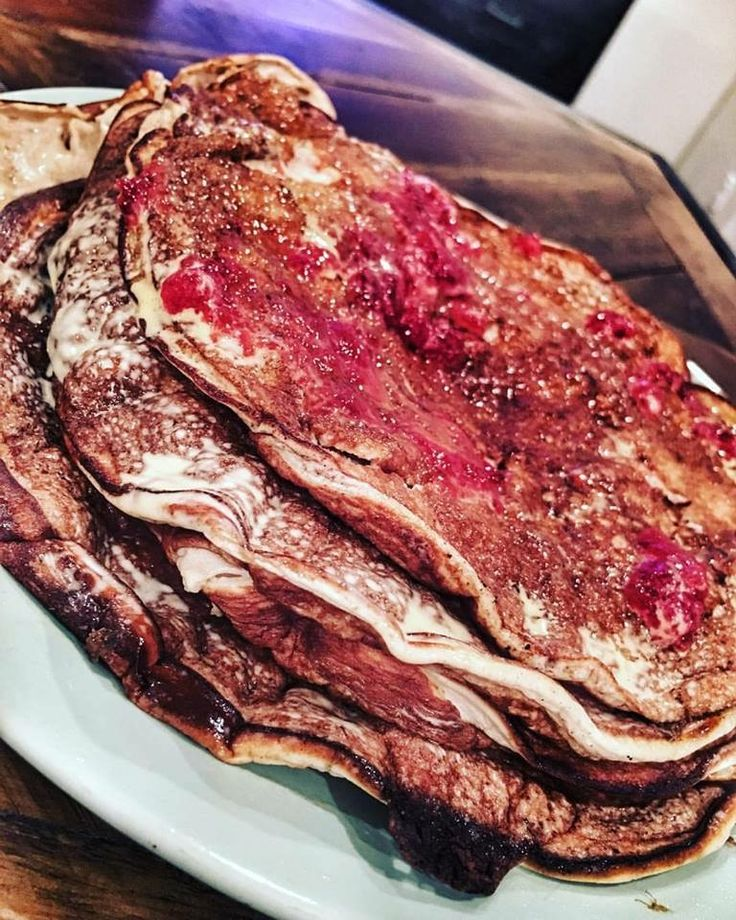 RECIPE Zero carb PB & J Protein Pancakes   These are perfect to have at night as your last meal. They literally have no carbs and taking in protein and fat before bed can actually boost metabolism and enhance recovery. ?  Instructions: 5 egg whites 1 scoop whey protein (isapro) Cinnamon  1/2 tspn baking powder  4 packets stevia  (Blend for 10 seconds in blender) (Medium/high heat pan) (Cook like normal pancakes flipping only once)  Macros: 310kcal/46gP/6gC/9gF