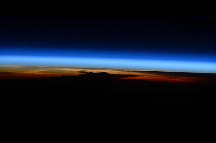 (IT) Una nube minacciosa in lontananza all'orizzonte. #HelloEarth