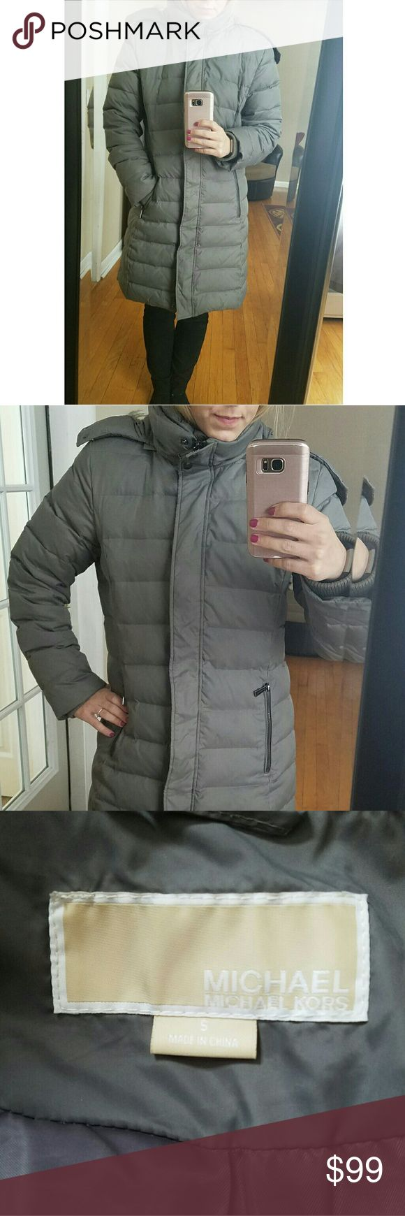 MICHAEL KORS puffer coat! Size small Michael kors down coat puffer jacket. Removable fur hood. Originally purchased from Macy's. GUC. MICHAEL Michael Kors Jackets & Coats Puffers