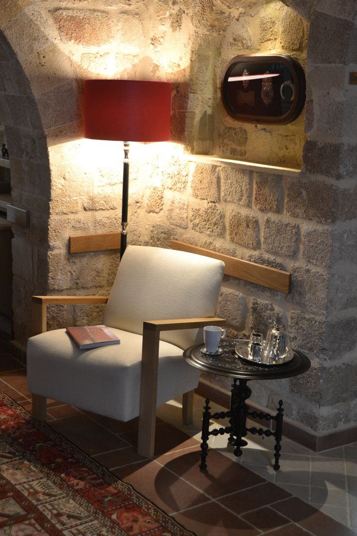 EXCLUSIVE SUITES BOUTIQUE HOTEL. MEDIEVAL TOWN, RHODES, GREECE. - Salon. Round small table from Egypt. Ca 1940. - kokkiniporta.com
