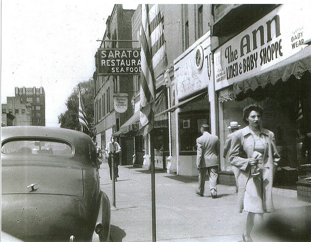 Sidewalk Scene East Market St Warren Ohio Circa 1950