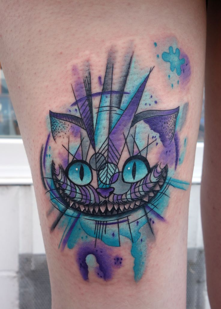 Abstrakte Grinsekatze, Cheshirecat Tattoo, Tattoo Oberschenkel, Aquarell Tattoo, Watercolor Tattoo, Tintenkunst Tätowierungen, Hamburg