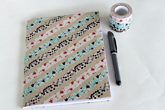 Cuaderno washi tape TUTORIAL http://www.sewdelicious.com.au/2012/05/washi-covered-notebook-tutorial.html