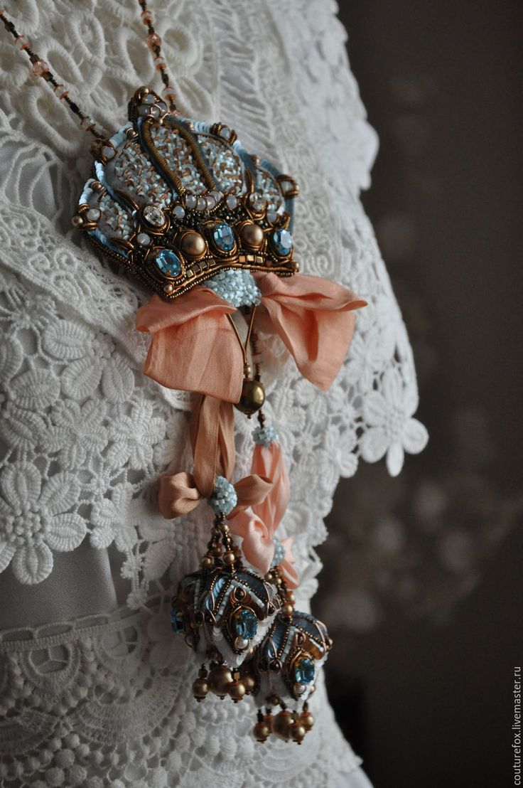 """Купить Комплект """"Мария-Антуанетта"""" - голубой, персиковый, бронзовый, корона, брошь-корона, голубой с золотом"""