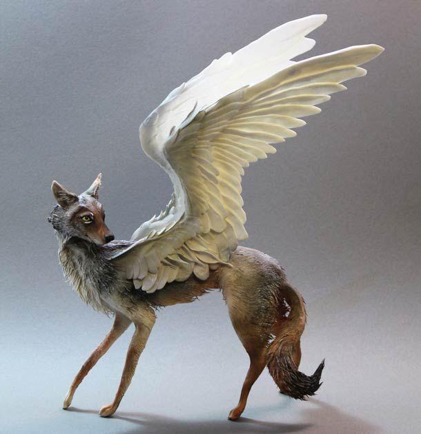 Les sculptures d'animaux fantasmagoriques et surréalistes de l'artiste canadienne Ellen Jewett. Entre rêve et cauchemar, des créations étranges nées d'une