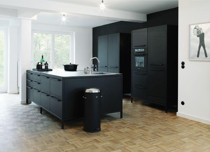 ideen für eine schwarze küche | schwarze küchen, küche und sitzplatz, Kuchen deko