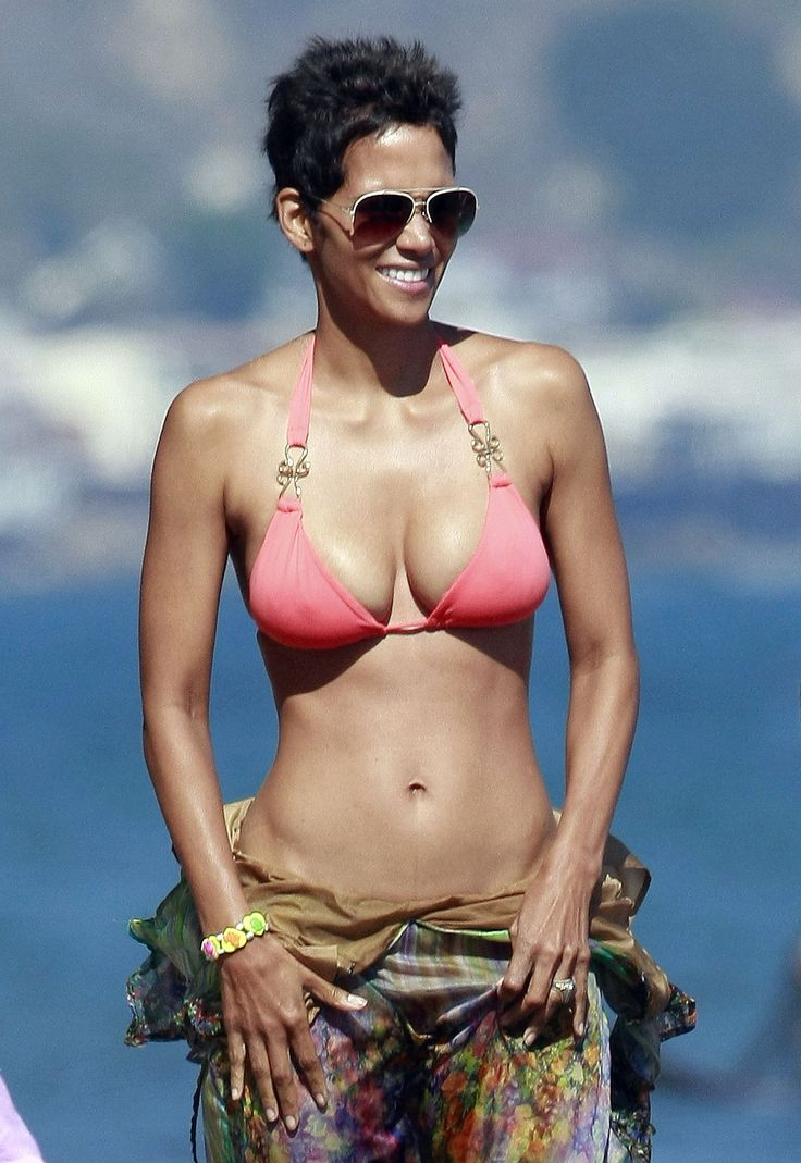 46 Never Looked So Good: Halle Berry's Birthday Bikini Workout