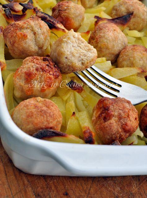 Polpette di pollo con patate al forno