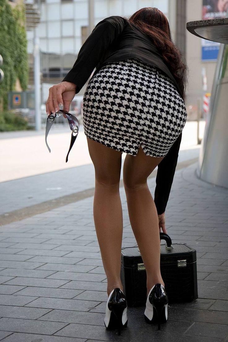 большие попы в юбках