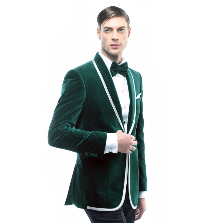 Alege un costum de ceremonie verde. Acesta reprezita culoarea regala a iubirii www.filipcezar.com