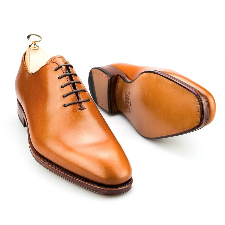 Men's dress shoes in tanned calf- Wholecut Carmina