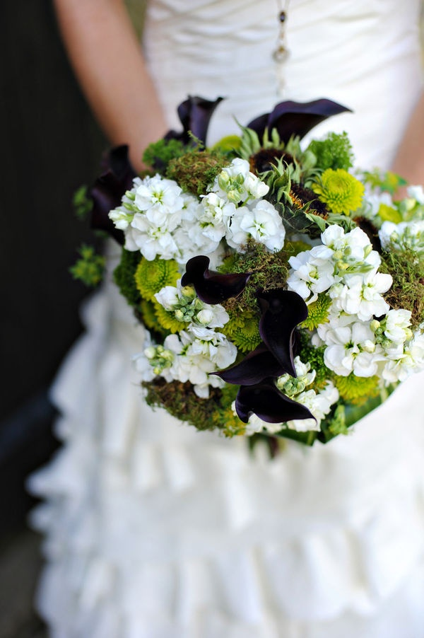Connecticut Wedding By Erica M Photography White BouquetsBridal