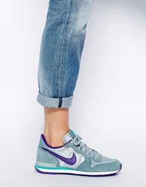Enlarge Nike Internationalist Grey/Purple Trainers