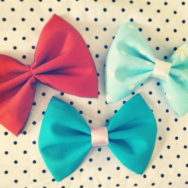 Fishnet Hair Bow -- Retro Hair Bows via MeOhMine
