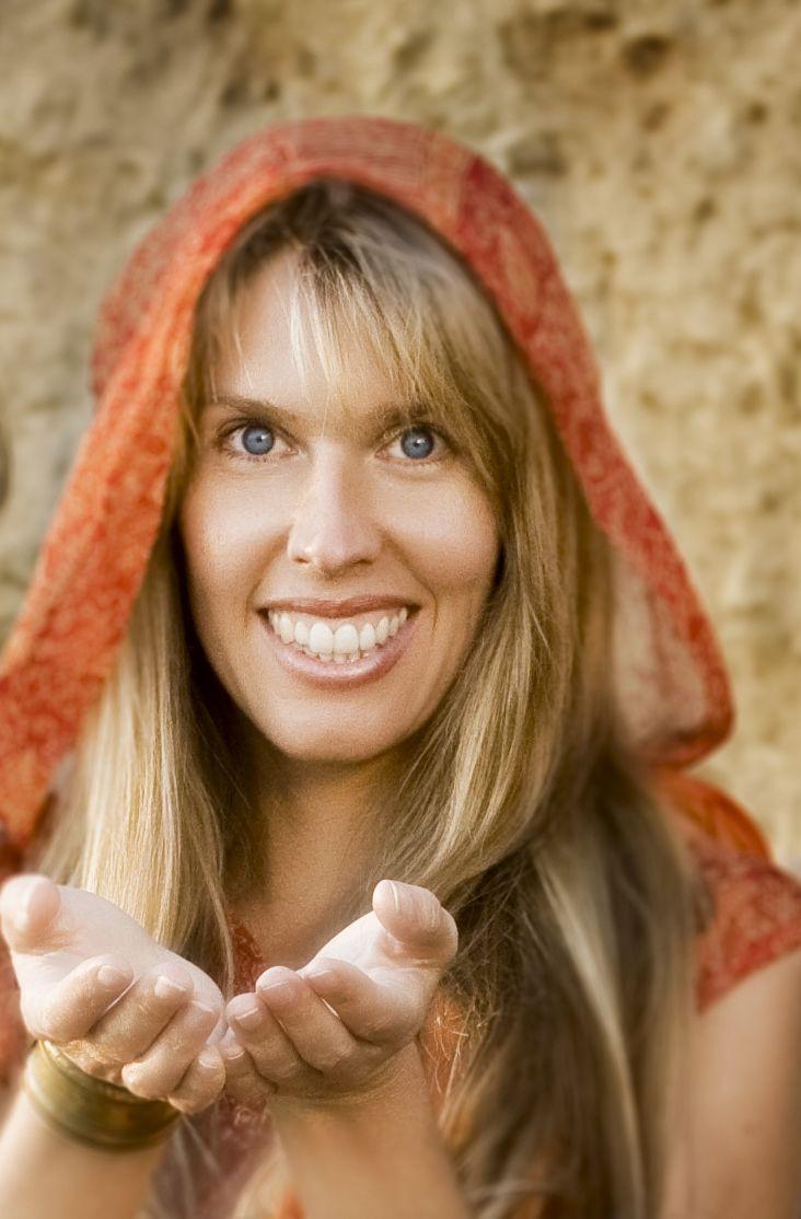 Личные качества - сочетание глубоко любящего открытого сердца и медитативной осознанности, умиротворения