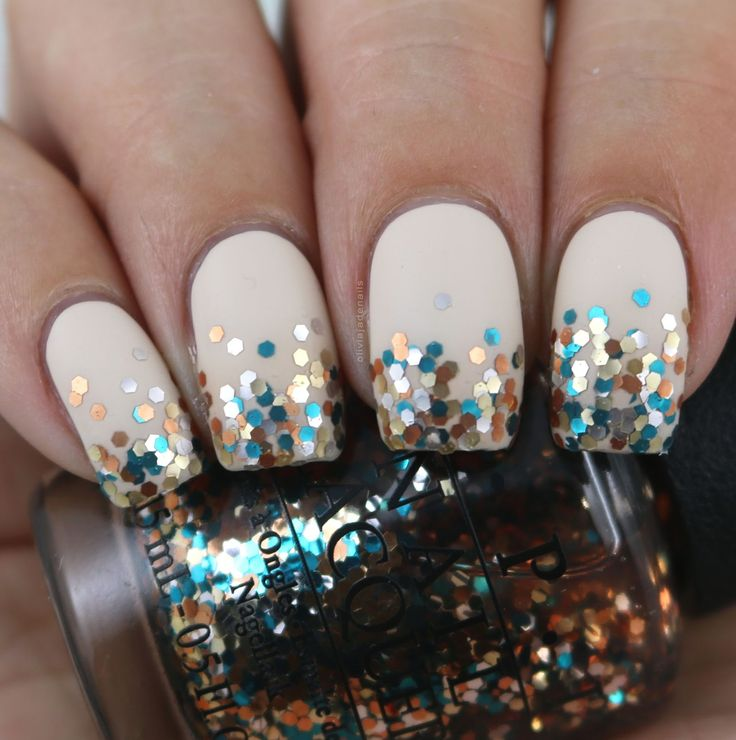 The Digit-al Dozen Does All That Glitters: Glitter Gradient by Olivia Jade Nails