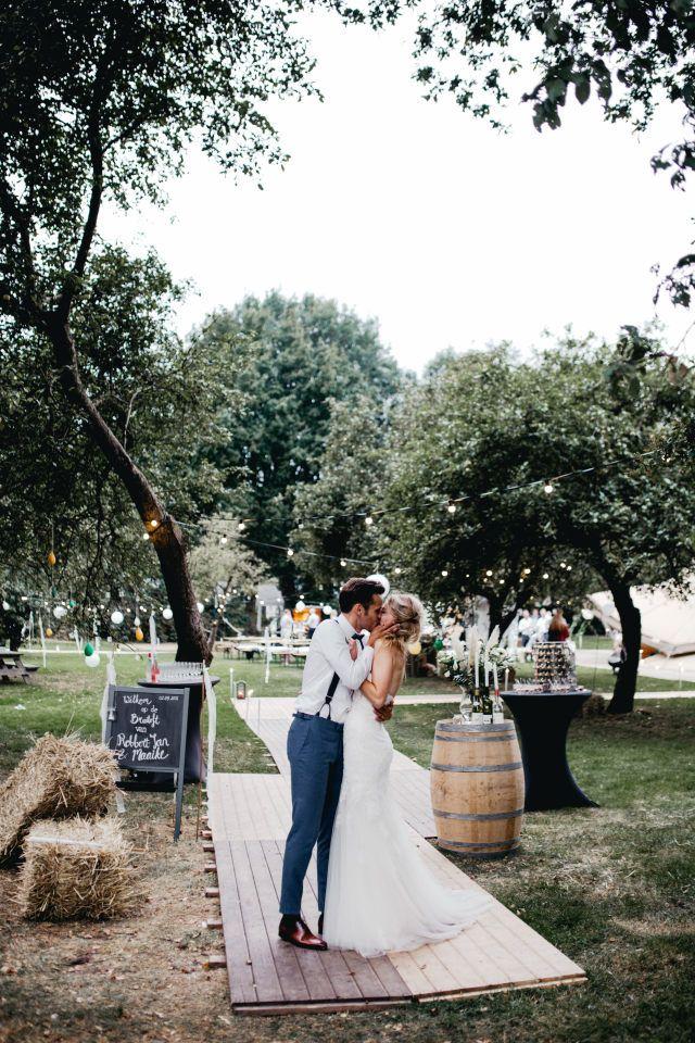 In de openlucht een kus delen, daar krijg je echt een festival gevoel bij!