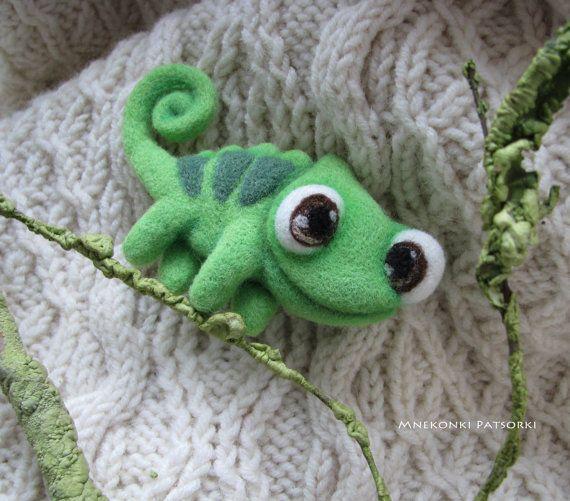 Chameleon Pascal Handmade Felt Brooch Made to Order Needle