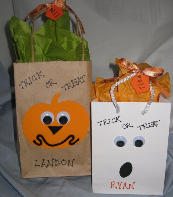 Halloween goodie bags!! Perfect for kids parties or class gifts