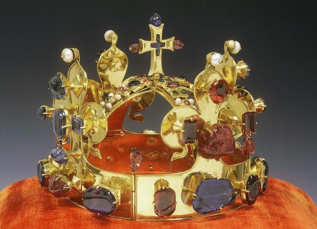 Svatováclavská koruna - české korunovační klenoty