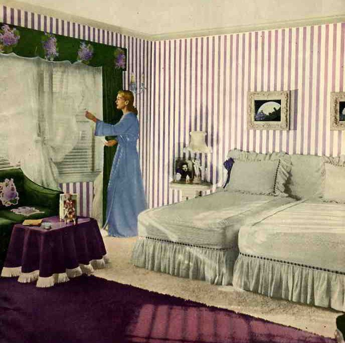 21 ideas for your 1940s ranch, bungalow or cape – 40s kitchens, living rooms, bathrooms and more --- Retro Renovation --- various sweet old-fashioned touches, with the fringe and ruffles. The scalloped valance has touches of the Victorian as well.