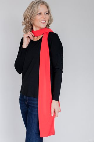 MABELLE ROUGE SCARF by FLAT OUT TALI The Fashion for Flatter Beauties. Mabelle Rouge plain red scarf is created from lightweight knit fabric with slight sheen and longline cylindrical that drapes softly and compliments the look of flat chested women. Order yours today https://flatouttali.com/collections/enaam-battani-jewellery/products/womens-mabelle-rouge-scarf
