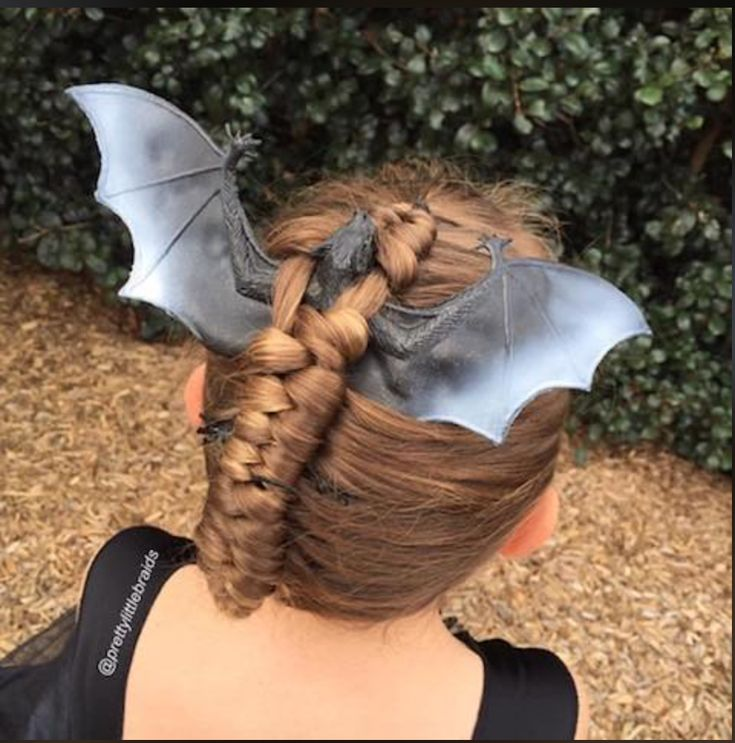 Disfraz para niños en halloween peinados creativos de halloween niños en halloween Halloween Fashion, Spirit Halloween, Scary Halloween, Family Halloween, Wacky Hair Days, Crazy Hair Days, Creative Hairstyles, Cute Hairstyles, Halloween Hairstyles