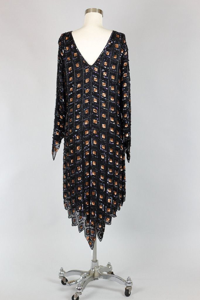 3-1970s_Silk_Hand_Embroidered_Sequin_Flapper_Egyptian_Dress_1024x1024.jpg (683×1024)