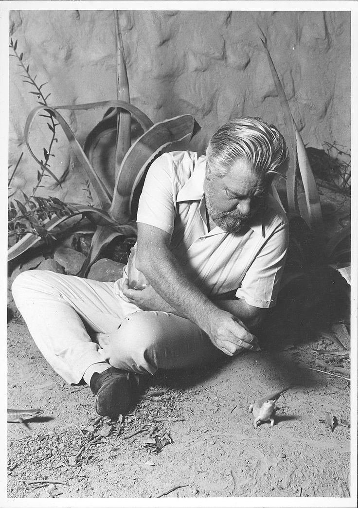 Gerry with a skink.