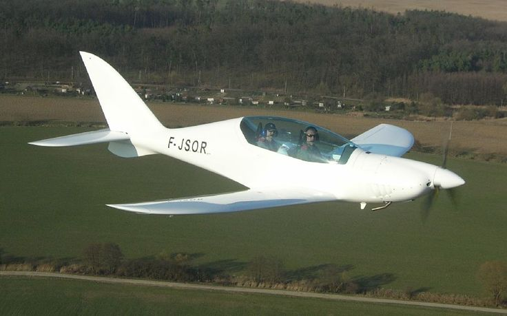 A new Ultralight / LSA aircraft from Shark Aero in Slovakia. It has an ultramodern design and extreme aerodynamic shape. It is built for flying!