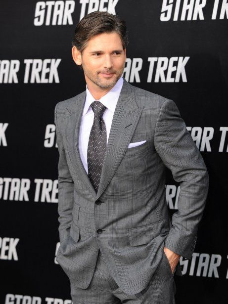 Eric Bana: I can almost SEE the obliques through the jacket.