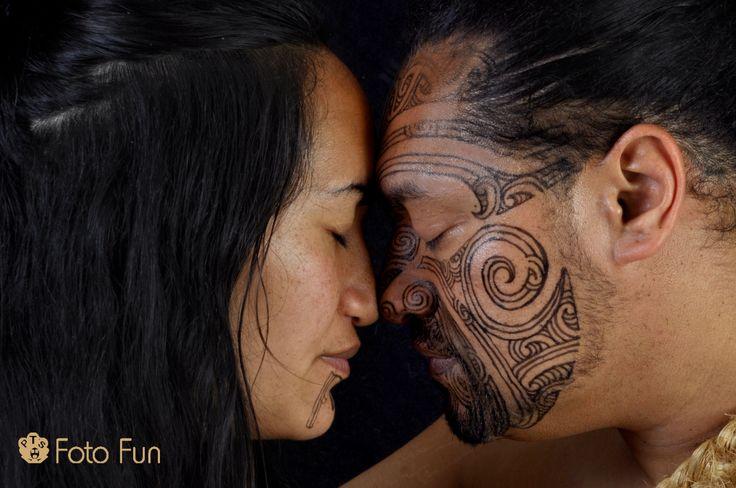 Maori couple´s hongi