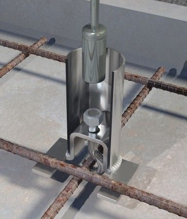 Nice COMBISAFE has developed an innovative socket for use with its edge protection posts or traditional scaffolding