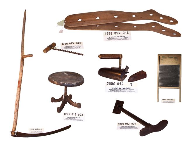 Artefacts from the Ogniwo Polish Museum