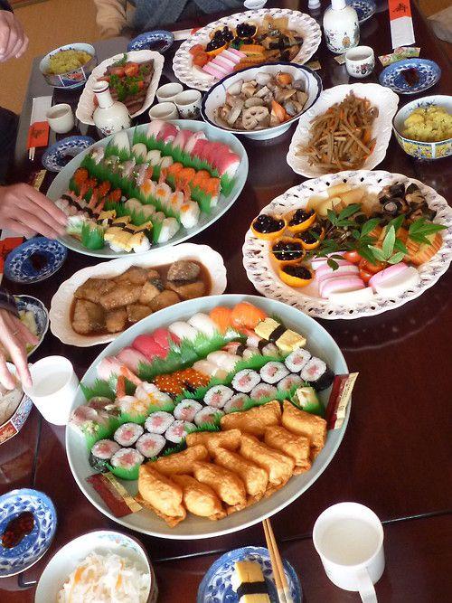 JAPANESE FOOD table, oh my heavens, let me eat dat