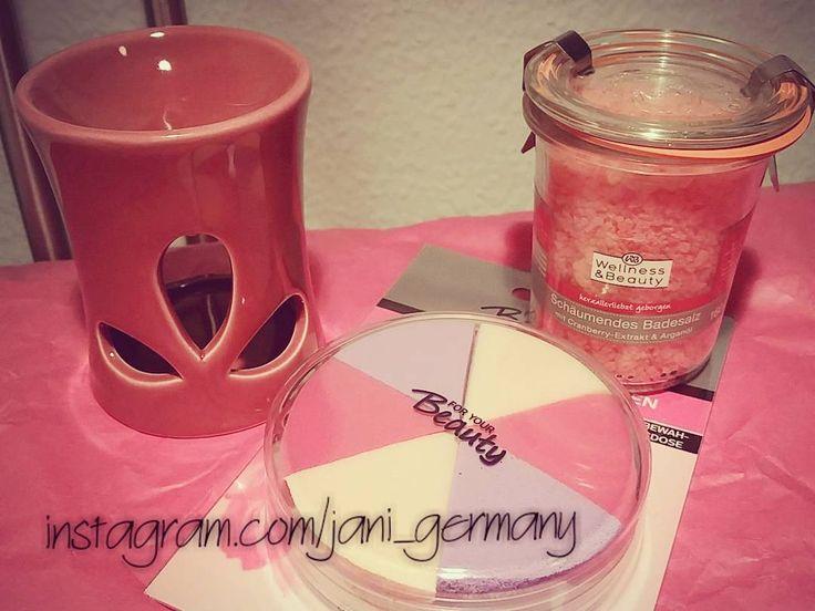 Shopping bei @mein_rossmann und #NanuNana #rossmannhaul #nanunanashop #beautyshopping #badesalz #wellness #rossmann #beautyblogger #beautyblog #candle #cranberry #shopping #berlin #hannover #rossmannsale #sale #düfte #decoration #dekoration #deko #makeupschwämmchen #pink #picoftheday #plussizeblogger #instadaily #instagood by jani_germany