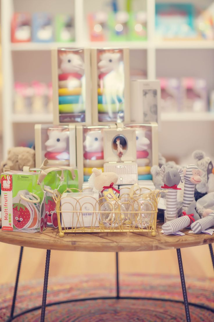 Gorgeous new born baby gifts great for baby showers! #newborn #baby #gifts #rubyoak