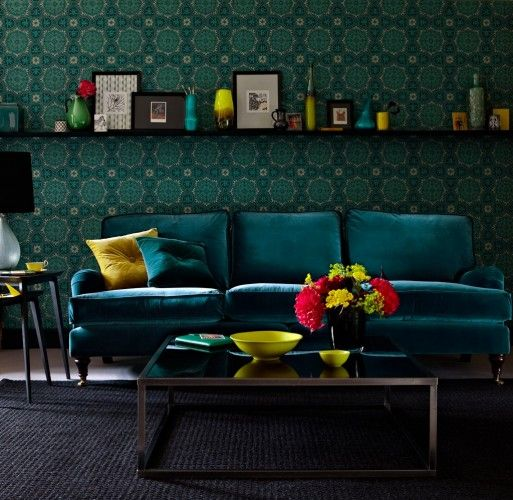 I love everything about this: Decor, Blue Velvet, Dark Interiors, Ideas, Colors Combos, Living Rooms, Colors Combinations, Velvet Sofas, Bedrooms Colour