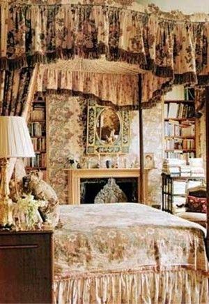 Isabel Goldsmith, London. Interior design by Geoffrey Bennison Erin dooleu iconic rooms