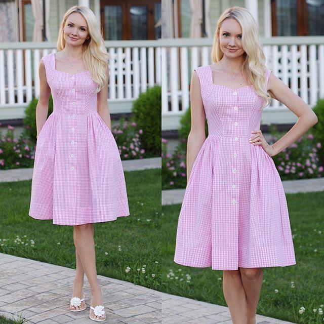 Летние сарафаны из хлопка нежно-розовая клеточка, пуговки-цветочки, с карманами цена 6500р., размеры 42, 44, 46 Для заказа WhatsApp +7 (926) 429-53-53 #kleverina_fashion