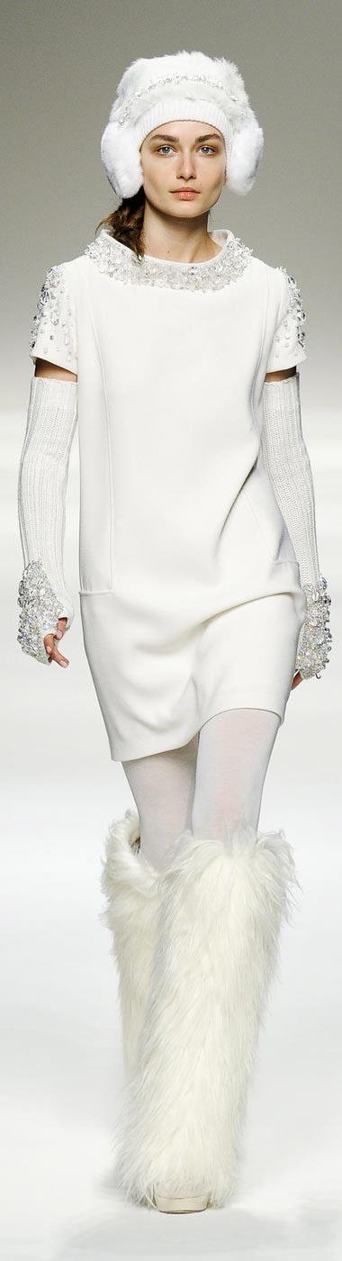 Blugirl FW 2012 http://www.elleuk.com/catwalk/designer-a-z/blugirl/autumn-winter-2012