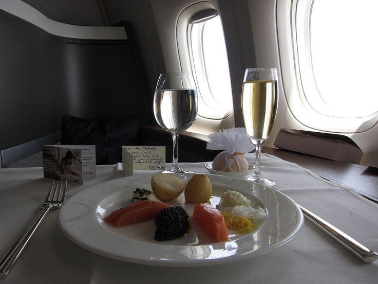 Welcome abord! Did you ever get caviar served to you on a air plane? #caviar #edibleluxury #tastecaviar #food #foodporn #luxuriousfood #foodie #foodstagram #finefood #delicious #foodpics #finedining #foodlovers #beluga #lovecaviar #BelugaCaviar #instafood #indulge #gourmet #sturgeon #osetra #royalosetra #OsetraCaviar #caviale