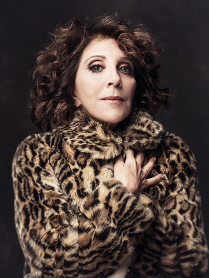 Andrea Martin gets the praise she deserves at 70!