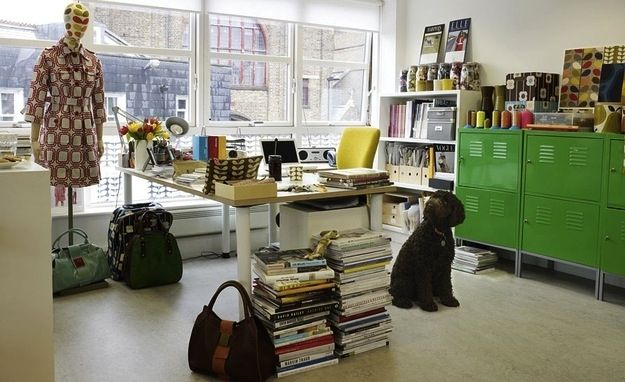 40 inspiring workspaces of the famously creative. From tiny writing desks to giant painting studios, the only thing all of these creative studios have in common is that they inspired their successful inhabitants to create greatness.