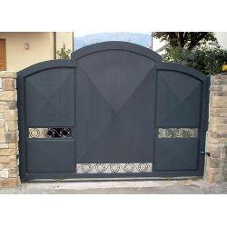 Wrought Iron Driveway Gate. Customize Realisations. 057